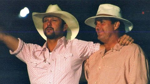 Tim McGraw Paid Respect To His Father's MLB Triumph With Rare Tribute | Country Music Videos