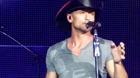Tim McGraw – Nashville Without You – LIVE In London | Country Music Videos