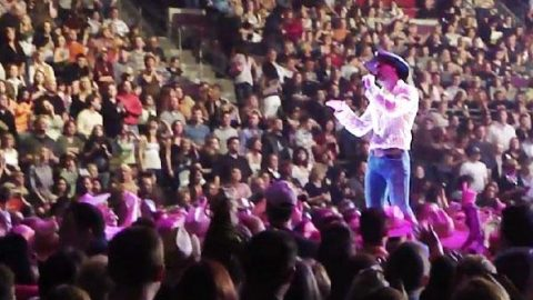 Tim McGraw – Things Change (Live Performance) | Country Music Videos