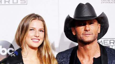 Tim McGraw Confesses What His Daughter Forbid Him To Do At Awards Show | Country Music Videos