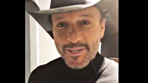 Tim McGraw Sings 'Hard To Be Humble' In Ode To Blake Shelton's 'Sexy' New Title | Country Music Videos