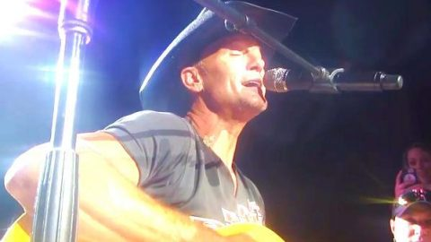 Tim McGraw – You Are So Beautiful (Live in Toronto) | Country Music Videos