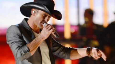 Tim McGraw – Lookin' For That Girl | Country Music Videos