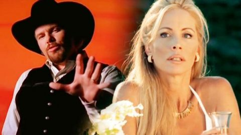 Toby Keith – You Shouldn't Kiss Me Like This (VIDEO) | Country Music Videos