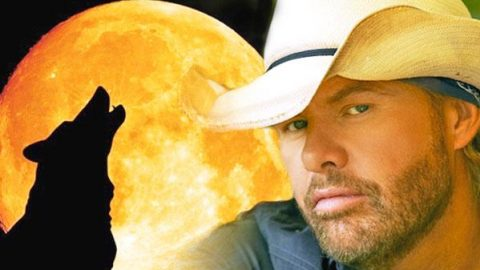 Toby Keith- Pull My Chain | Country Music Videos