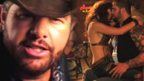 Toby Keith – Bullets In The Gun | Country Music Videos