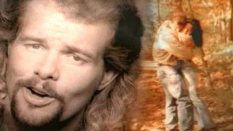 Toby Keith – Me Too (WATCH) | Country Music Videos