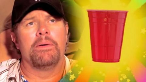 Toby Keith – Red Solo Cup (VIDEO) | Country Music Videos