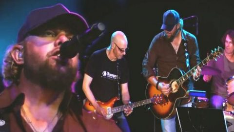 Toby Keith – Sundown (Irving Plaza 2010 Live) (VIDEO) | Country Music Videos