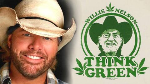 Toby Keith Tells The True Story Behind 'Weed With Willie' (VIDEO)   Country Music Videos
