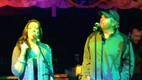 Toby Keith and Krystal Keith – Cabo San Lucas (LIVE) (VIDEO)   Country Music Videos