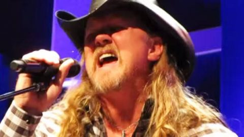 Trace Adkins – Ala Freakin Bama (LIVE) (WATCH) | Country Music Videos