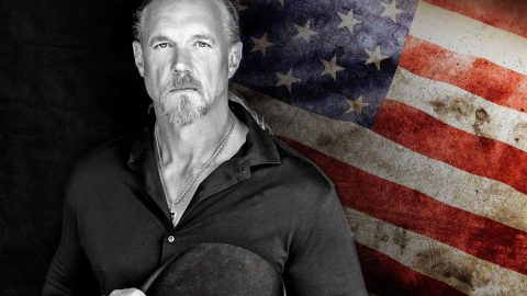 Trace Adkins' Powerful Anthem To Veterans Reminds Us Of His Never-Ending Support | Country Music Videos
