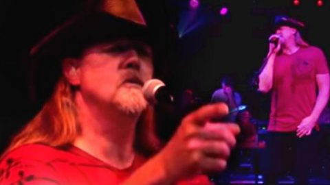 Trace Adkins – Watch The World End | Country Music Videos