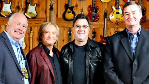 Vince Gill Receives Incredible Honor | Country Music Videos