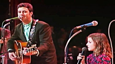 Rare: Vince Gill & His Baby Girl Sing Adorable Duet At The Opry   Country Music Videos