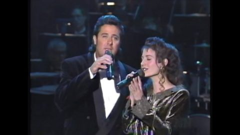 Sparks Fly When Vince Gill Joins Amy Grant For Smooth 'Tennessee Christmas' Performance | Country Music Videos