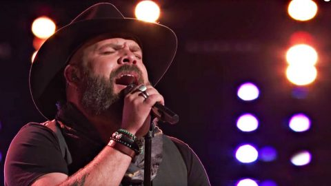 'Voice' Country Star Leaves Audience 'Amazed' With Last-Ditch Effort To Save Himself | Country Music Videos