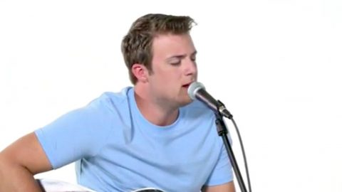 """John Michael Montgomery's Son Covers Of Keith Whitley's """"Don't Close Your Eyes"""" 
