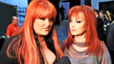 Wynonna Judd Speaks Out On Claims She's 'Estranged' From Mom Naomi | Country Music Videos