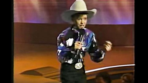 Young Justin Timberlake Shows Country Roots With Impressive Alan Jackson Tribute | Country Music Videos