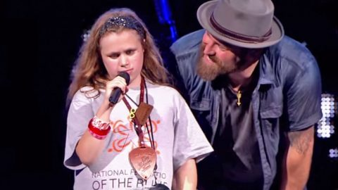 Blind 11-Year Old Steals The Show At Zac Brown Band Concert | Country Music Videos