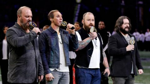 Zac Brown Band Kicks Off College National Championship With 'Star-Spangled Banner' | Country Music Videos