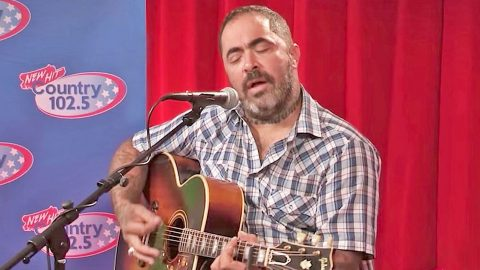 This Haunting Performance Of Aaron Lewis' 'Mama' Will Rip Your Heart To Shreds | Country Music Videos