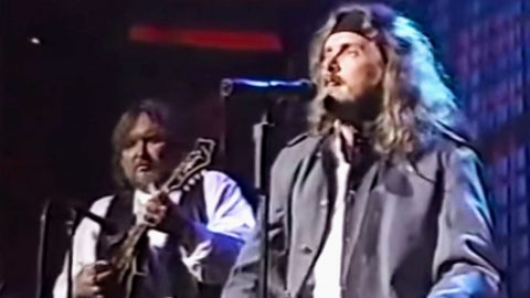 Skynyrd's Vulnerable Acoustic Performance Of 'The Last Rebel' Will Stir Your Soul | Country Music Videos