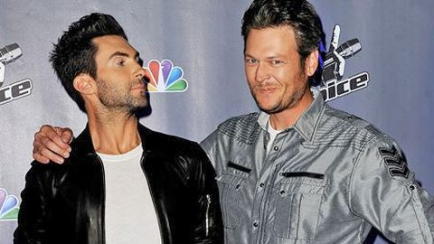 'Blake Shelton Is The Sexiest Man Alive' -Adam Levine Thinks People Magazine Got It Wrong | Country Music Videos