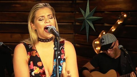 Lauren Alaina Explodes With Powerful Performance Of Brooks & Dunn's 'Believe' | Country Music Videos
