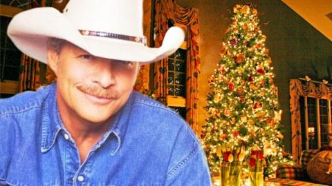 Alan Jackson – Have Yourself A Merry Little Christmas | Country Music Videos