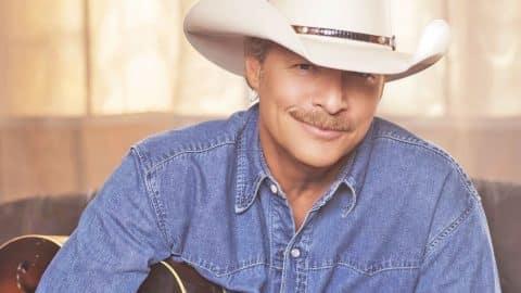 Alan Jackson Makes Big Announcement | Country Music Videos