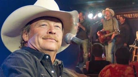 Alan Jackson – Blue Moon of Kentucky (Live) | Country Music Videos