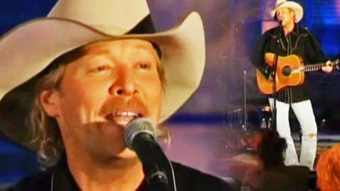Alan Jackson – Gone Country (Invitation Only Performance) | Country Music Videos