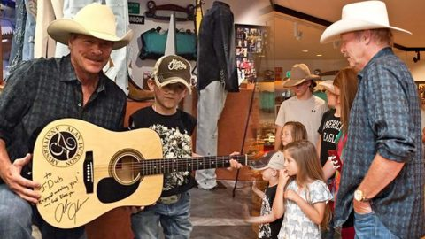Alan Jackson Makes A 5 Year Old Fan With Cancer's Wish Come True (VIDEO) | Country Music Videos