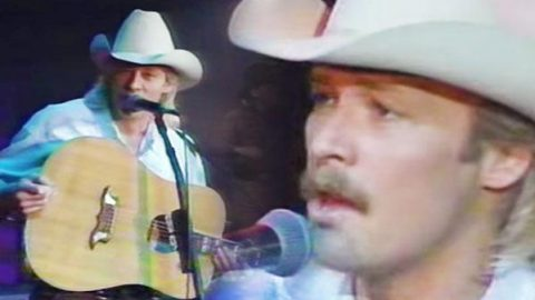 Alan Jackson – Someday (LIVE) | Country Music Videos