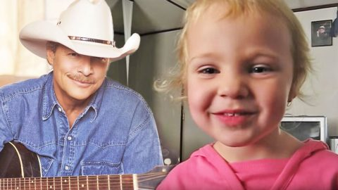 3-Year-Old Girl Steals Hearts With Alan Jackson's 'Sissy's Song' | Country Music Videos