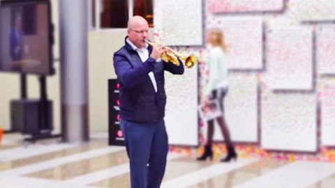 Trumpeter Starts Playing 'Amazing Grace,' What Happens Next Will Take Your Breath Away | Country Music Videos