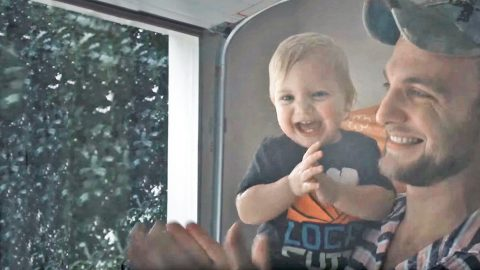 Baby's Reaction To Her First Rain Will Have Y'all Smiling In No Time | Country Music Videos