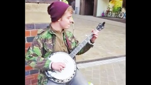 Young Street Artist Stuns With Killer 'Dueling Banjos' Cover   Country Music Videos
