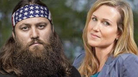 The Robertson Couples Battle It Out In High Stakes Competition | Country Music Videos