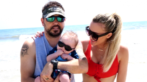 Jason & Brittany Aldean Hit The Beach For A Fun-Filled Family Photo Shoot | Country Music Videos