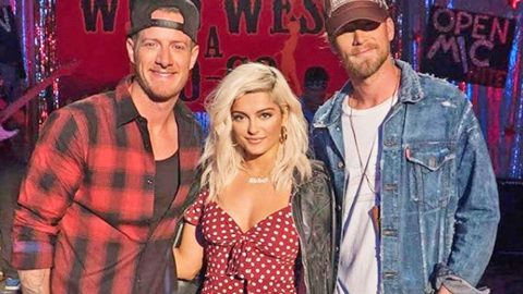 Popstar Makes History As First Woman To Debut At No.1 On Country Chart | Country Music Videos