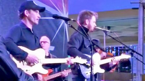 Merle Haggard's Two Sons Honor Him With Remarkable Tribute Performance | Country Music Videos