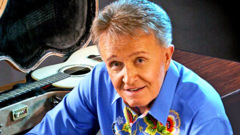 Country Legend Bill Anderson Asks For Our Prayers | Country Music Videos
