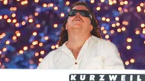 Christmas Wouldn't Be Complete Without Billy Powell's Masterful Take On 'Greensleeves' | Country Music Videos