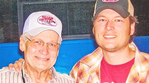 Blake Shelton's Late Father, Richard Shelton, Receives Great Honor | Country Music Videos