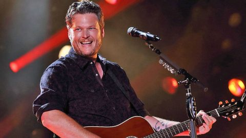 Blake Shelton Surprises Fans In The Best Way Possible | Country Music Videos