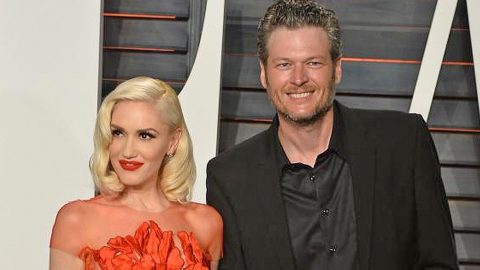 Blake Shelton Breaks Silence On Who Bought Gwen Stefani The 'Best Present Ever' | Country Music Videos